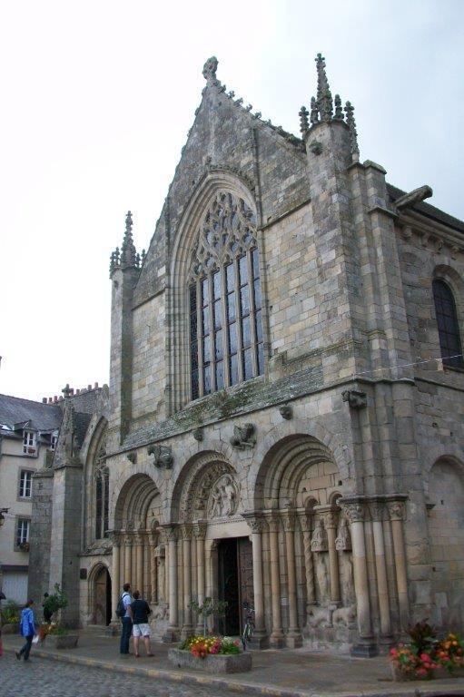 Tour de l'horloge - 15.yy'dan kalma saat kulesi... Daha fazla bilgi ve fotoğraf için; http://www.geziyorum.net/dinan/