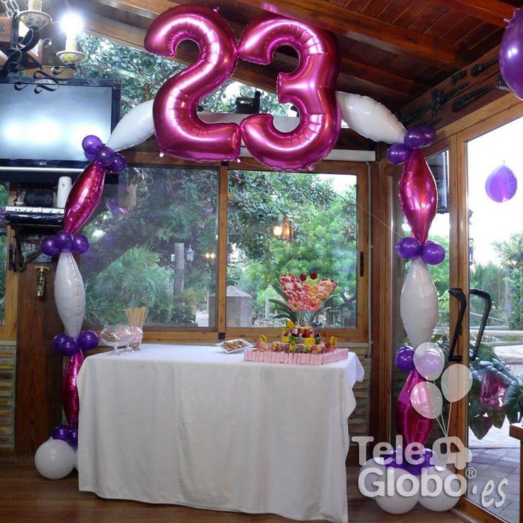 Decoración con globos para 23 cumpleaños