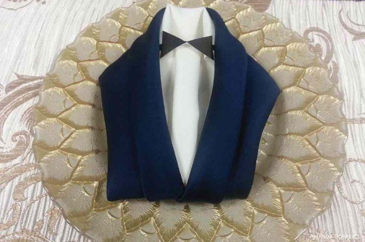 tuxedo-style-napkins