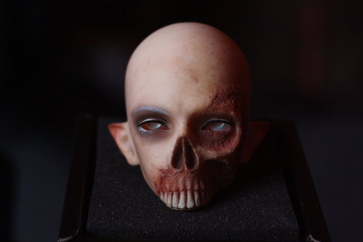 My first make-up attemp. This is my new boy, Aelfric <3 (Angell Studio - Baron Samedi Skull head)