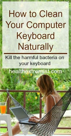 How to Clean Your Computer Keyboard Naturally Using Vinegar. It's easy to remove the harmful bacteria! #natural #cleaning #vinegar