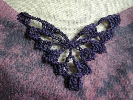 How to embellish with crochet inserts ✿⊱╮Teresa Restegui http://www.pinterest.com/teretegui/✿⊱╮