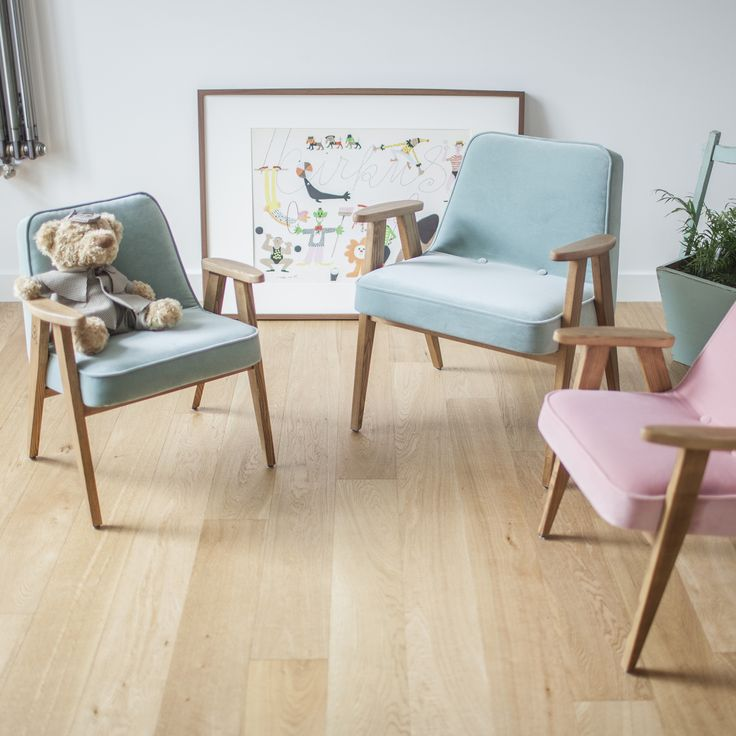 Three 366 junior chairs from VELVET collection.