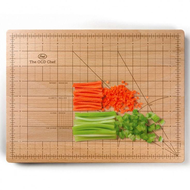 Top 50 voor vrouwen - Snijplank met schaal - De OCD Chef - Groente en fruit van verschillende grootte? Niet met deze houten snijplank!
