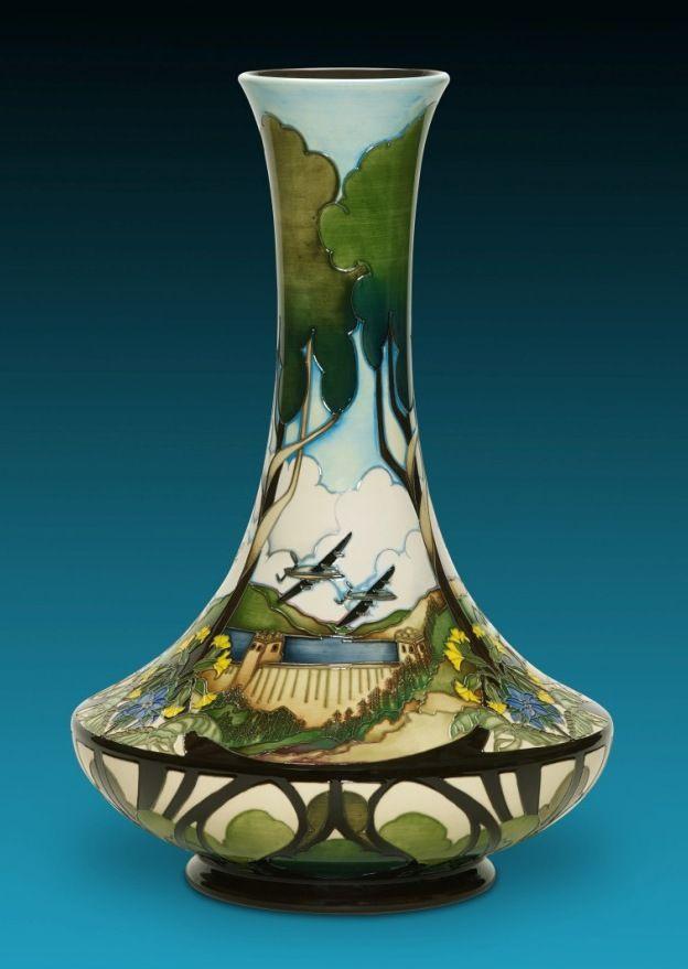 867 best Pottery - Moorcroft Pottery images on Pinterest   Jars ...