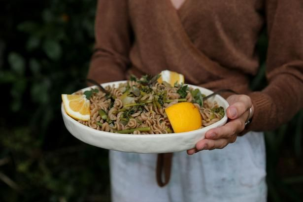 Petite Kitchen's One-Pot Pasta With Asparagus, Lemon and Basil Recipe - Viva