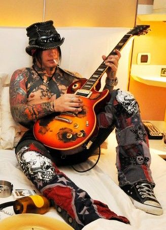 DJ Ashba...most beautiful EYES!! Plus GNR <3 and Sixx AM