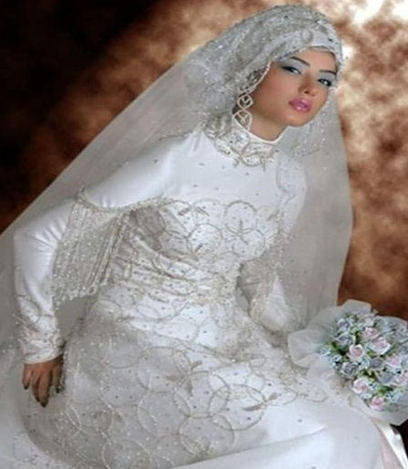 pretty-white-muslim-wedding-dress