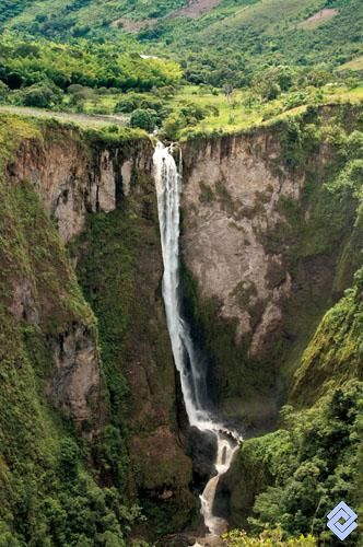 Salto del Mortiño, Huila, Colombia:   Interested in other cultures? HOST A FOREIGN EXCHANGE STUDENT! Contact OCEAN for more information. Toll-Free: 1-888-996-2326; E-mail: info@ocean-intl.org; Web: www.ocean-intl.org