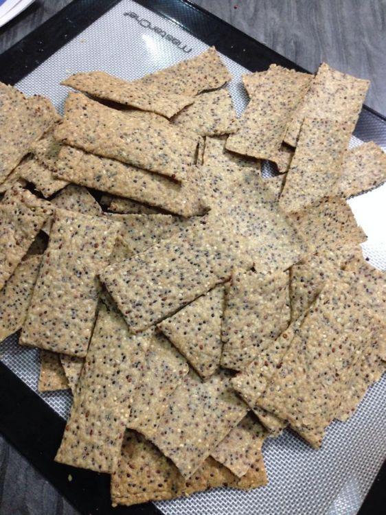 Healthy Quinoa Crackers