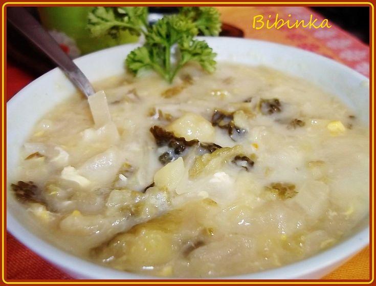 smetanová kapustovo-zelná polévka s houbami