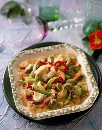En la cena puedes comer algo liviano como un Guisado de verduras mixto, sabroso y saludable para terminar el día de la mejor manera.