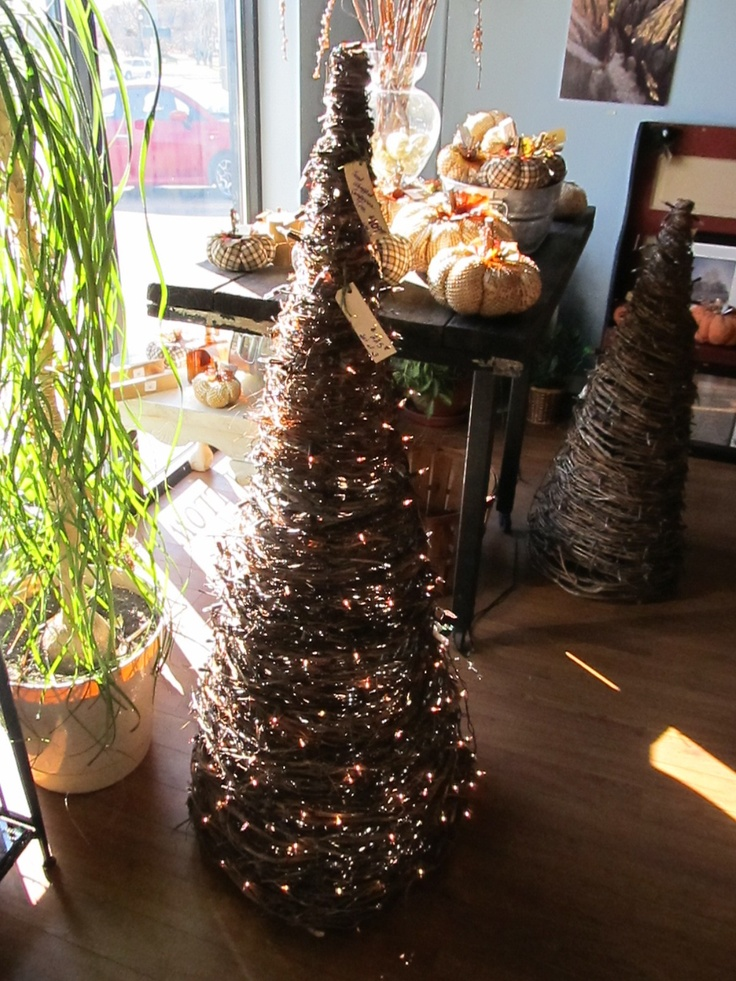 1000+ images about Grapevine trees & things on Pinterest Christmas trees, Green christmas and ...
