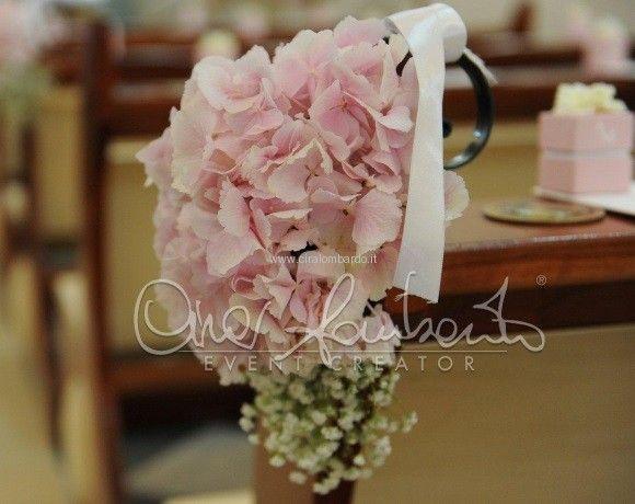 Eleganza e perfezione del dettaglio negli allestimenti della chiesa per un evento indimenticabile | Cira Lombardo Wedding Planner