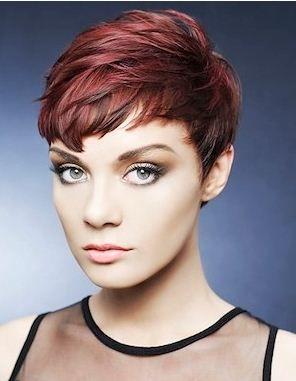 Foto taglio capelli corti