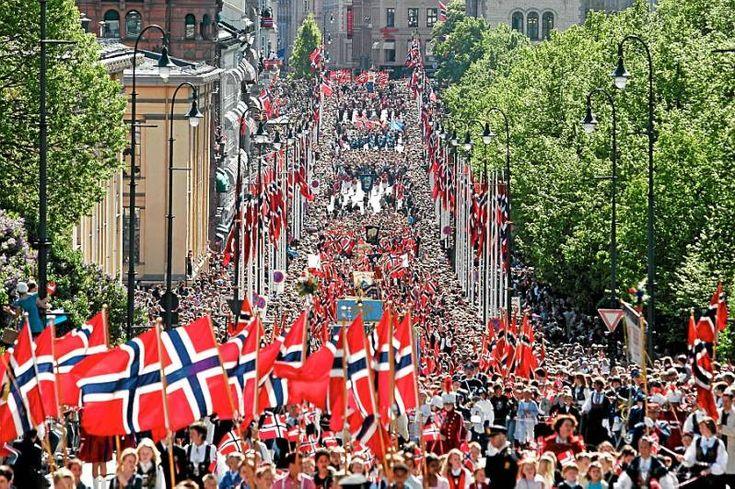 Gratulerer med dagen, Norge! (Happy birthday, Norway!)