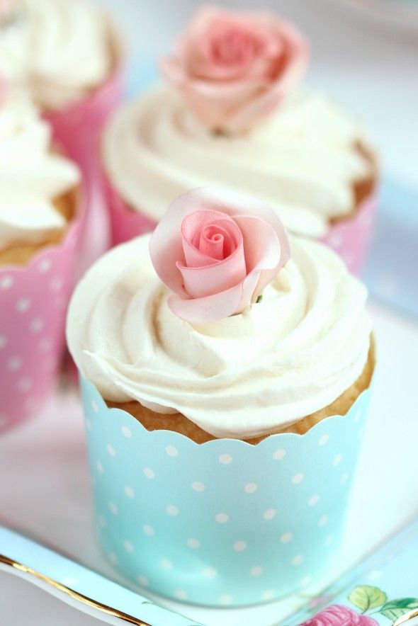 Buttercream Frosting Recipe   & An Untold Sugar Flower Secret Revealed