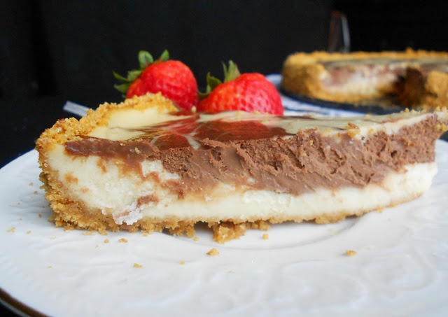 Banana Split Cheesecake | ⧟≓⧟ Cheesecakes ⧟≓⧟ | Pinterest