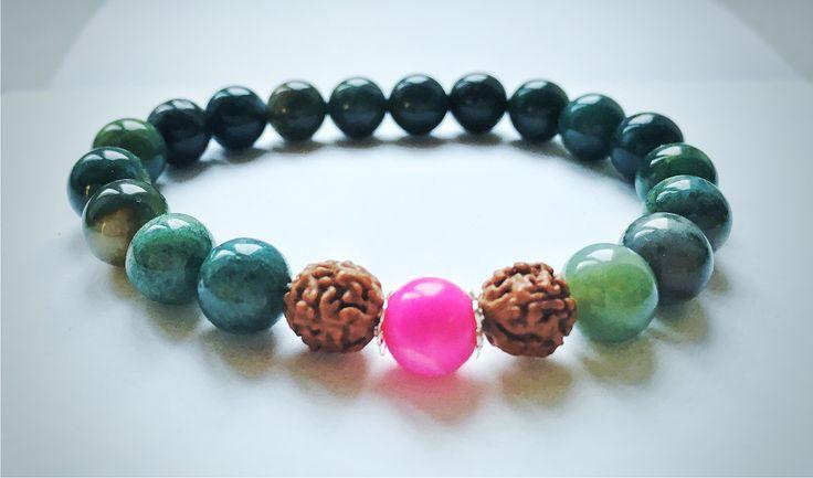 Natural+Green+beads+bracelet+ručně+dělaný+náramek+s+plody+rudrakshy+a+indickým+achátem+rudraksha+Rudraksha+vytváří+obrovskou+pozitivní+energii+pro+tělo,+mysl+a+duši.+Tlumí+stres+a+pomáhá+se+lépe+vyrovnat+se+starostmi,+a+tak+zklidňuje+smysl.+Je+vědecky+prokázáno,+že+Rudraksha+má+spoustu+zdravotních+výhod.+Zlepšuje+koncentraci+a+má+protistárnoucí+účinek.+Vytváří...
