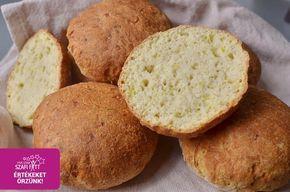 Szénhidrátszegény cukkinis-hagymás habkönnyű paleo zsemle (gluténmentes, tejmentes, élesztőmentes, light paleo)