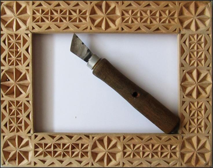 Crestături tradiționale în lemn