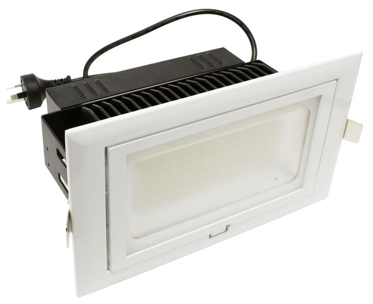 Martec's Edge shop fitter light has an ultra-high lumen output, which is perfect for high ceilings and work areas which require exceptionally high visibility. The Edge has the added benefit of being on a 60 degree gimble which allows for the light to light up almost any space. The sleek bevelled frame of the Edge is designed for a modern architectural look and feel, enabling the Edge to be incorporated into any environment.