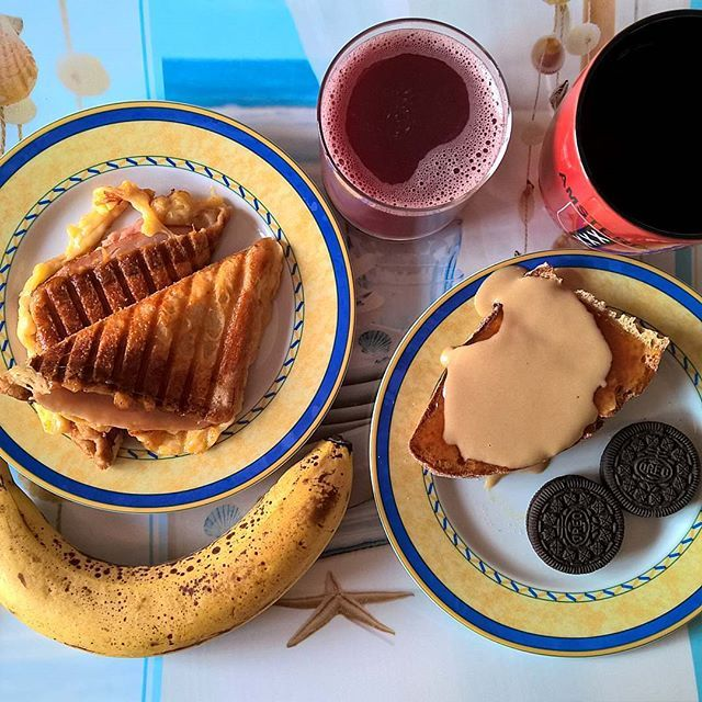 So, it's another Monday... A grilled cheese with ham, smoked turkey and a mature cheddar crust, a slice of sourdough topped with homemade plum jam and tahini, a couple of chocolate crème Oreos and a banana can provide a cure for Mondays. #thenewbreakfasteverydayproject #livingmylifemyway