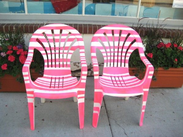Do This To A White Plastic Patio Chair Plastic Patio