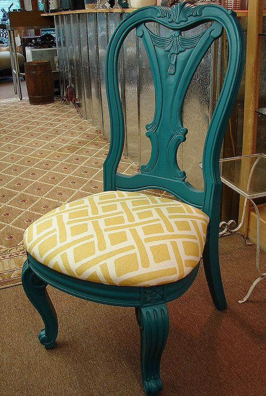 Turquoise Paint Dining Chair, makes me think of repainting our boring dining chairs into something special.