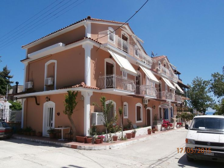 Venus Rooms    Just 50 metres from the Katelios beach, Venus offers accommodation with a balcony offering views of the Ionian Sea and the mountains of Kefallonia. Restaurants and cafés are 10 metres away.