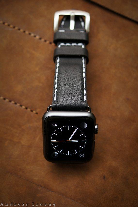Handmade Vintage Leather Strap Black Classic por BlackForestAtelier