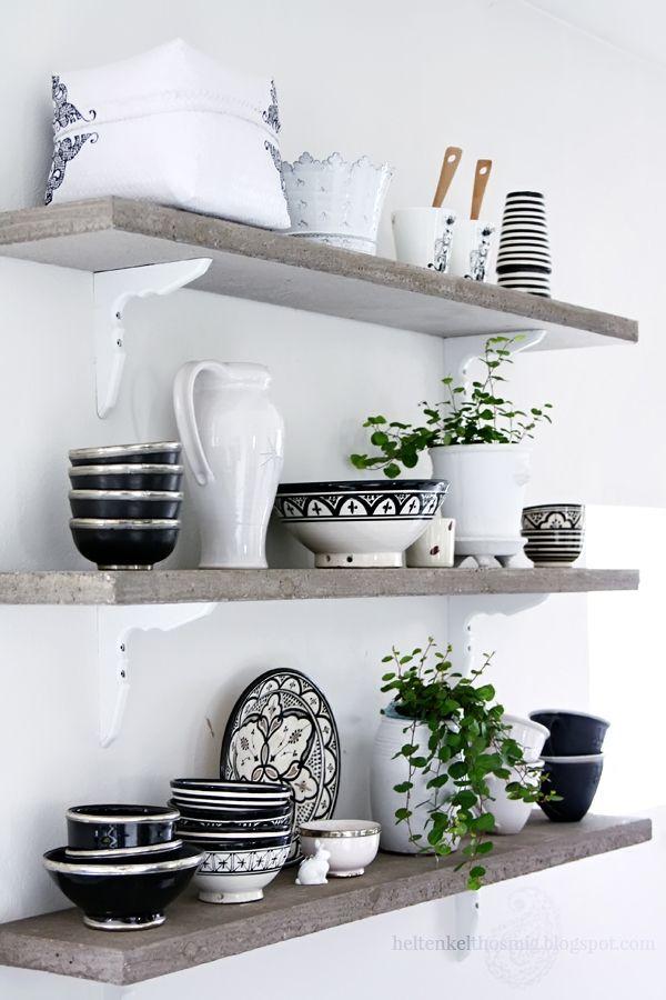 Betong hyllor i köket! Bild: Anna-Malin Helt enkelt!