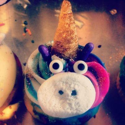 Unicorn Cupcakes via Amanda's Cupcakes http://www.amandacupcake.blogspot.com/