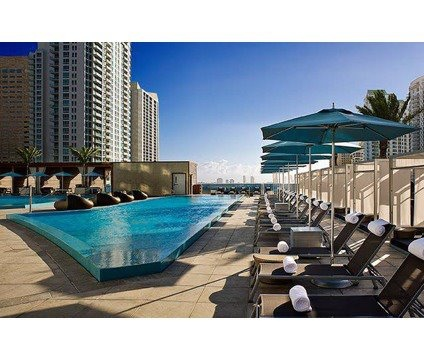 Rooftop pool of Epic Luxury Condo in Miami, Florida