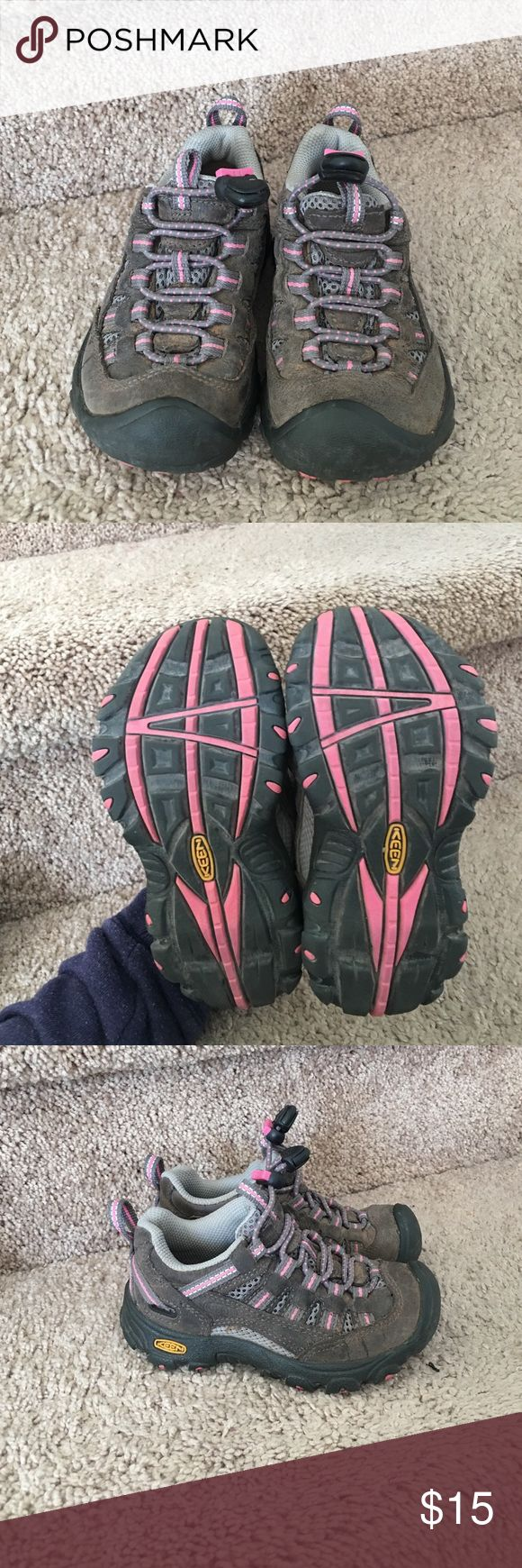 Toddler girl hiking boots in great condition!! Toddler girl Keen hiking boots in great condition!!! Keen Shoes Boots