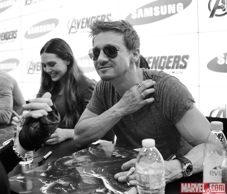 SDCC 2014: Avengers: Age of Ultron Sign at the Marvel Booth
