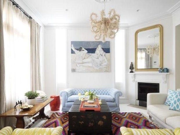 Décor do dia: cores leves na sala de estar. Tons pastel dão charme ao ambiente clássico