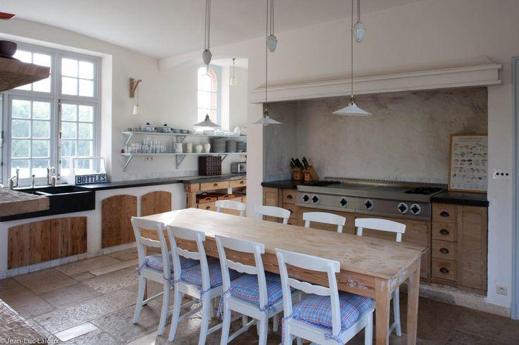 #behindthescenes #lioneljadot #architecture #design #interiordesign #bespoke #designer #interiors #home #architect #kitchen #moderncountry