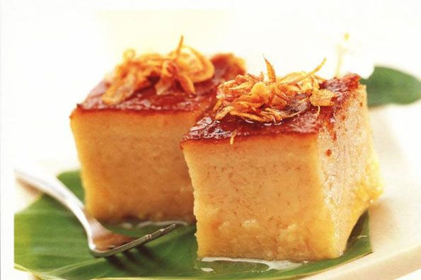 This is Kanom, the traditional Thai cake. Served on special occasions such as festivals or holidays