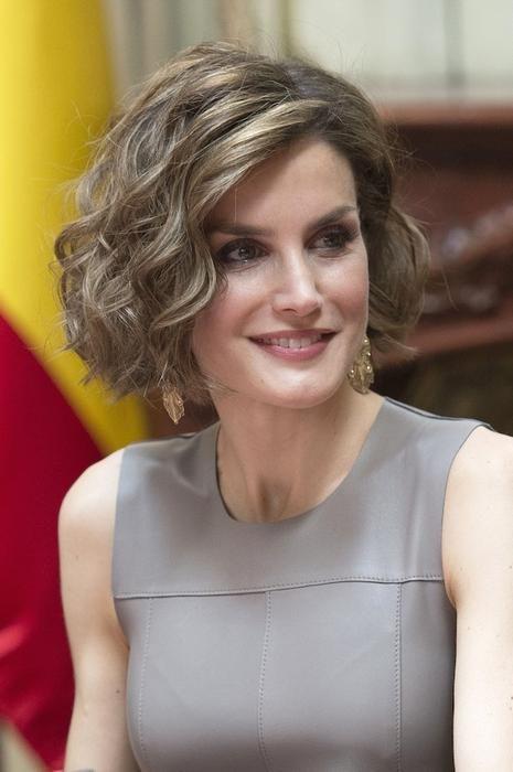 Los looks de Letizia en Francia - Great hair