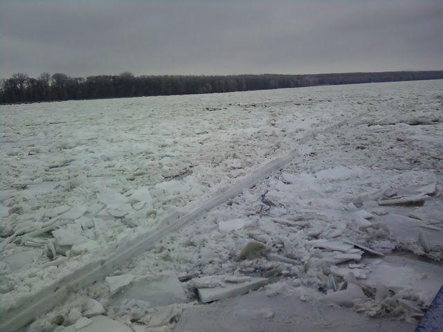 Din Delta Dunării: Dunărea înghețată