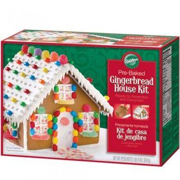 Pronto a montar este kit de Casa de Gengibre Natal Wilton. Excelente ideia para uma actividade em conjunto com as crianças ;)
