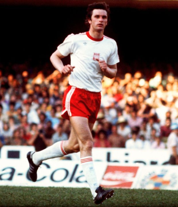 Władysław Antoni Żmuda (born 6 June 1954 in Lublin) is a former Polish footballer, who played as a defender for Śląsk Wrocław, Widzew Łódź, Hellas Verona, New York Cosmos and US Cremonese. He earned 91 caps for the Poland national team and is a four-time FIFA World Cup participant