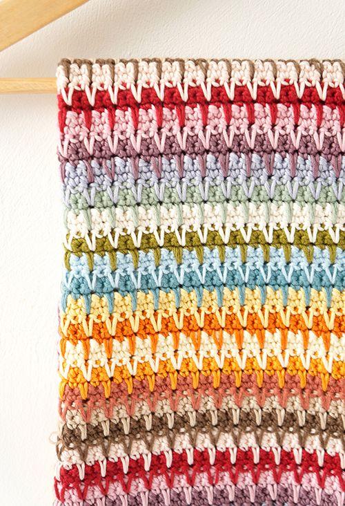 Retro baby blanket amigurumi crochet pattern by Little Doolally