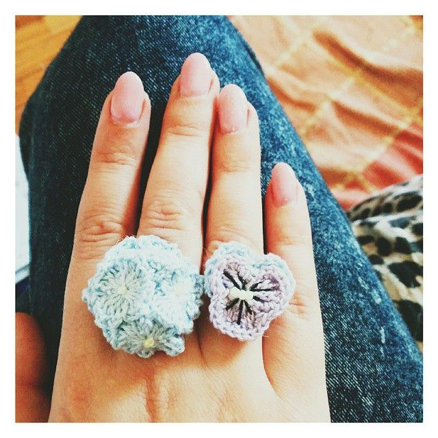 Some Blooming Rings for me: hydrangea and pansy  ~ #instadiy #crochet #handmade #ring #flowers #accessory #jewelry #handmadeguerrilla #teamSugoiOrDie #etsy #BlueberrySoda #buyhandmade #supportcreativity