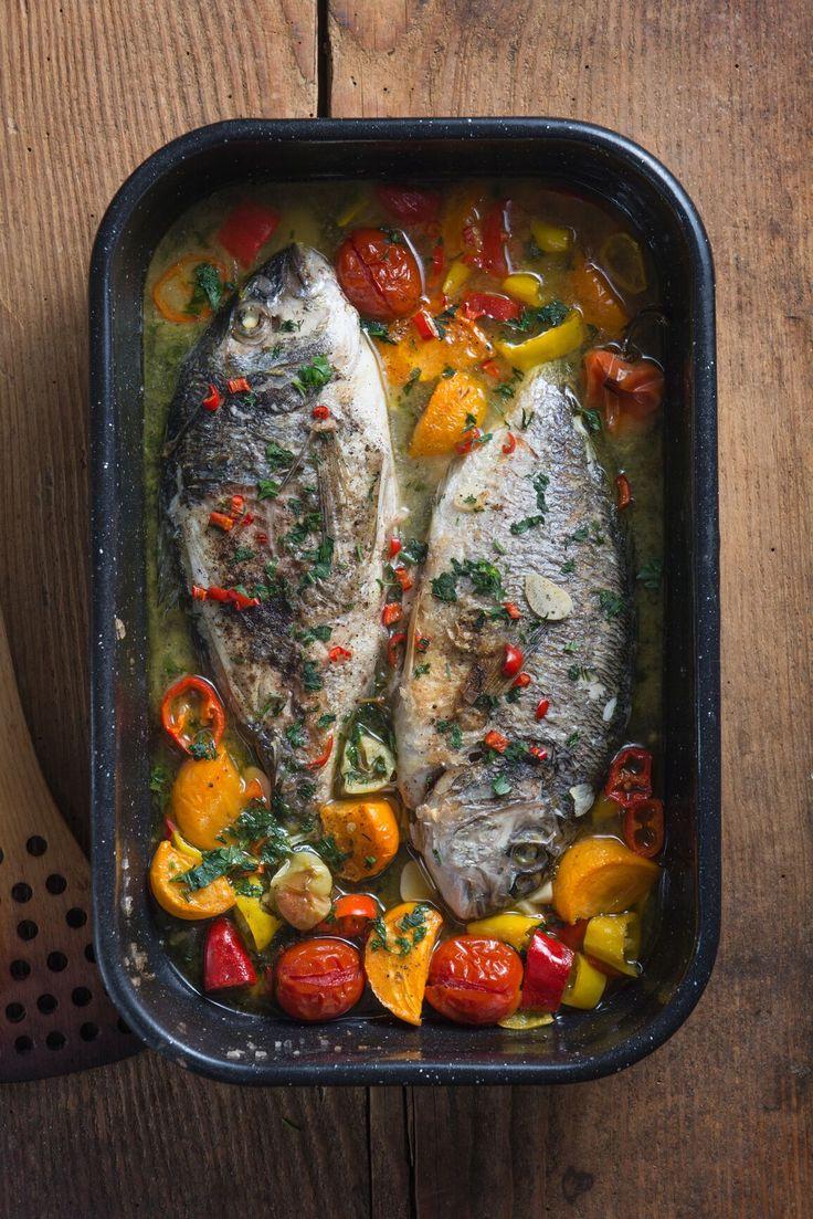 魚とトマトのアクアパッツァ