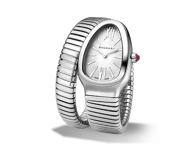 Quartz movement. 35 mm steel curved case. Steel crown set with a cabochon-cut pink rubellite. Silver opaline dial with guilloch