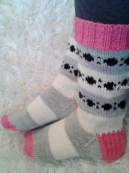 Huiskis: knitted socks, Lykke Superwash