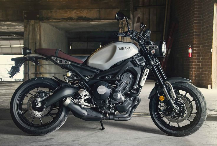 "2016 Yamaha XSR900 | This bike is an Fz-09 disguised as a ""cafe"" bike and I love it."