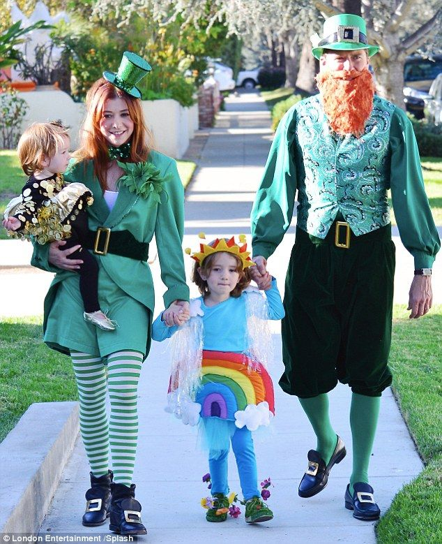 Alyson Hannigan and Alexis Denisof embodied Leprechauns to match rainbow-clad daughter Satyana and pot of gold Kee